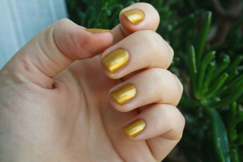 a-england-holy-grail-nail-polish-(3)