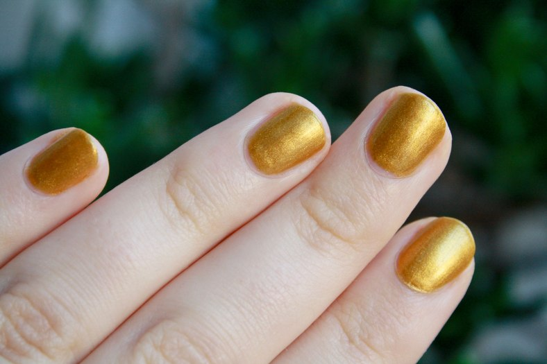a-england-holy-grail-nail-polish